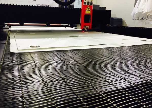 The right working table of CO2 laser cutter for every application